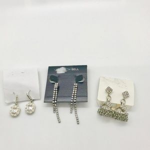 Jewelry - Lot of three crystal earrings chandelier